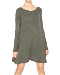 Оливковое платье-свитер
