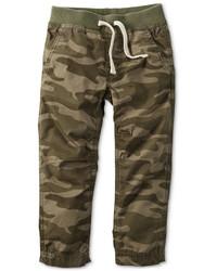 Оливковые брюки с камуфляжным принтом
