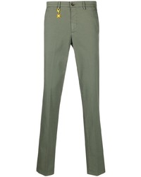 Оливковые брюки чинос от Manuel Ritz