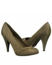 Оливковые сатиновые туфли