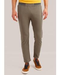 Мужские оливковые спортивные штаны от FiNN FLARE