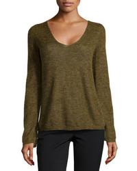 Оливковый свитер с v-образным вырезом