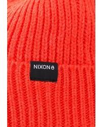 Мужская оранжевая шапка от Nixon