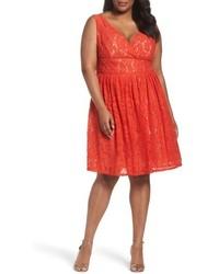 Оранжевое кружевное платье с пышной юбкой