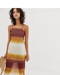 Оранжевое платье-комбинация с принтом тай-дай