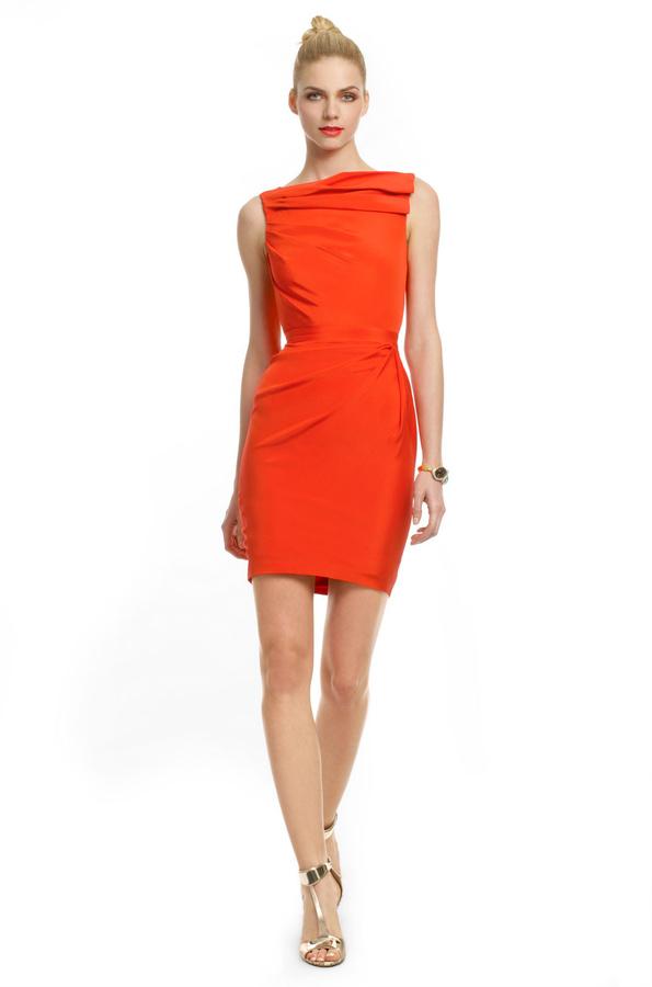 Оранжевое платье футляр
