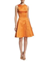 Оранжевое сатиновое платье с пышной юбкой