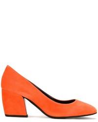 Оранжевые замшевые туфли от Pierre Hardy