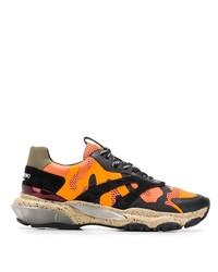 Мужские оранжевые кроссовки от Valentino Garavani