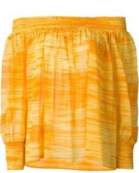 Оранжевый топ с открытыми плечами