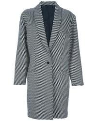 Брюки и пальто — хорошая формула для создания модного и удобного образа.