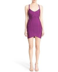 Пурпурное облегающее платье