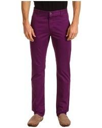 Пурпурные брюки чинос