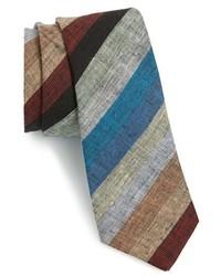 Разноцветный галстук в горизонтальную полоску