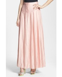 Розовая длинная юбка со складками