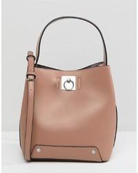 Розовая кожаная сумка-мешок от Fiorelli