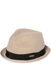 Розовая шерстяная шляпа