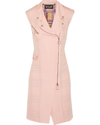 Розовое пальто без рукавов