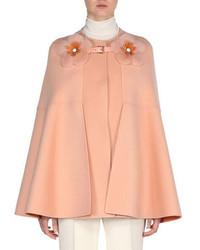 Розовое пальто-накидка