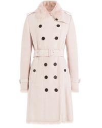Розовое пальто с меховым воротником