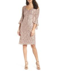 Розовое платье-футляр с пайетками
