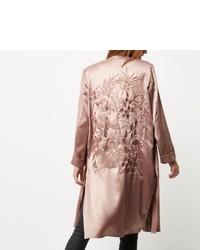 Розовое сатиновое пальто дастер