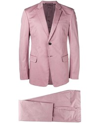 Розовый костюм от Prada