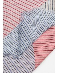 Розовый шарф в горизонтальную полоску