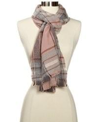 Розовый шарф в шотландскую клетку