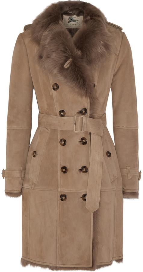abcc7e672648 Женская светло-коричневая дубленка от Burberry   Где купить и с чем ...