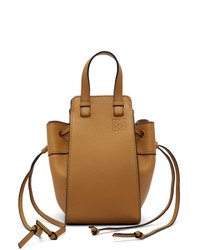 Светло-коричневая кожаная большая сумка от Loewe