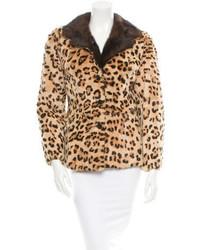 Светло-коричневая короткая шуба с леопардовым принтом