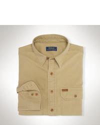 Светло-коричневая рубашка с длинным рукавом