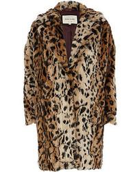 Светло-коричневая шуба с леопардовым принтом