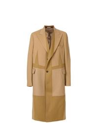 Светло-коричневое длинное пальто от Alexander McQueen