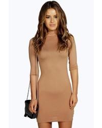 Светло-коричневое облегающее платье