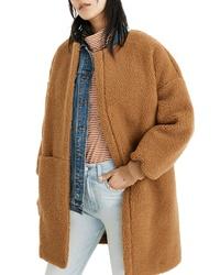 Светло-коричневое флисовое пальто