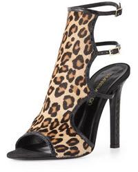 Светло-коричневые замшевые босоножки на каблуке с леопардовым принтом