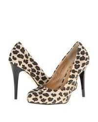 Светло-коричневые замшевые туфли с леопардовым принтом