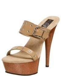 Светло-коричневые кожаные босоножки на каблуке с шипами
