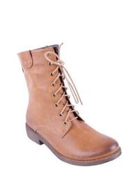 Светло-коричневые кожаные ботинки на шнуровке