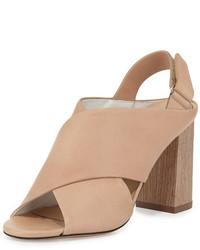 Светло-коричневые кожаные массивные босоножки на каблуке