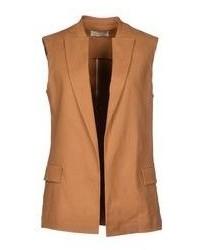 Светло-коричневый пиджак без рукавов