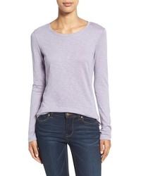 Светло-фиолетовая футболка с длинным рукавом