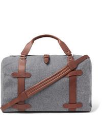Серая дорожная сумка из плотной ткани