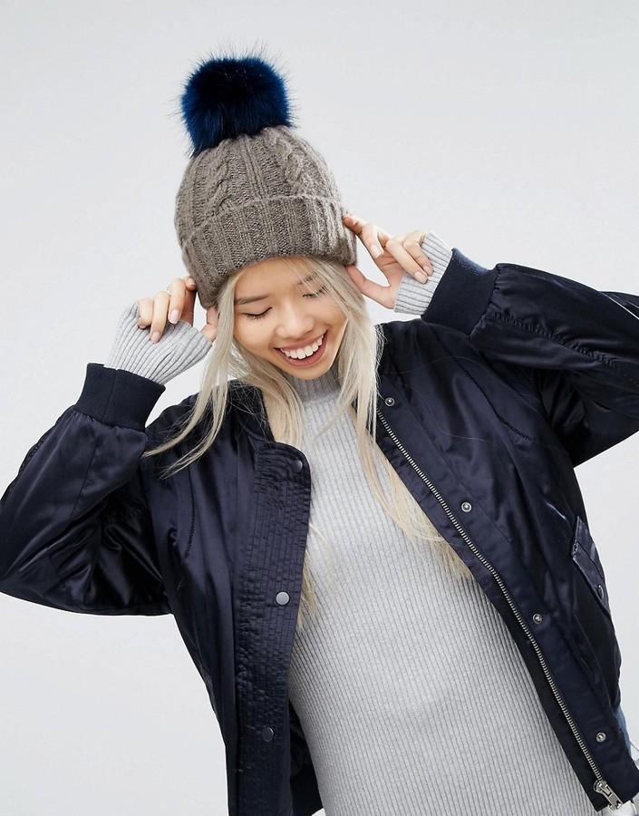 Женская серая меховая вязаная шапка от Asos