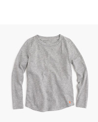 Серая футболка с длинным рукавом