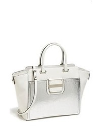 Серебряная кожаная сумочка