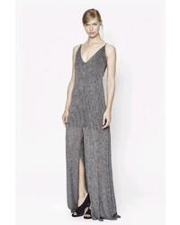 Серебряное платье-макси с разрезом