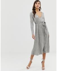 Серебряное платье с пышной юбкой от ASOS DESIGN